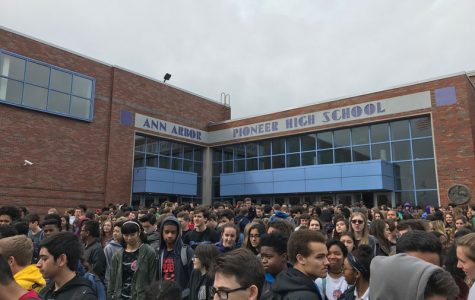 Slideshow: Students walk out to protest school gun violence