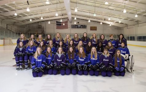 The Pioneer Women's Ice Hockey Team in 2018.
