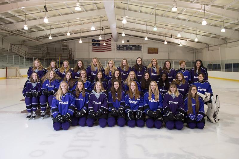 The Pioneer Womens Ice Hockey Team in 2018.