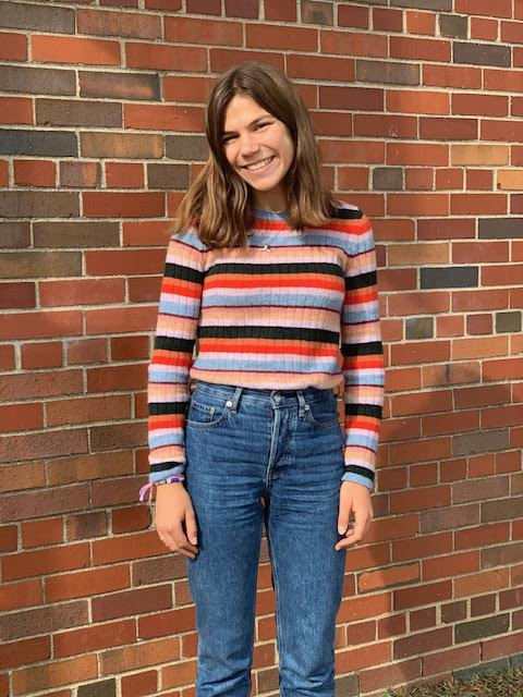 Junior Sarah Baybeck wearing sustainable brands Madewell and Everlane.