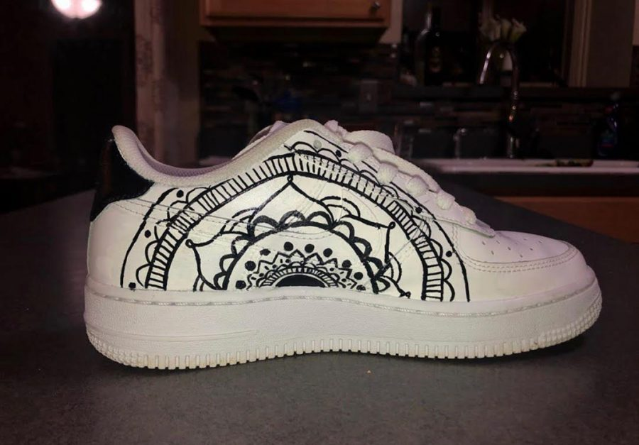 Morgeson%27s+shoe+design+above+is+based+on+Mandalas+in+black+and+white+to+provide+contrast.