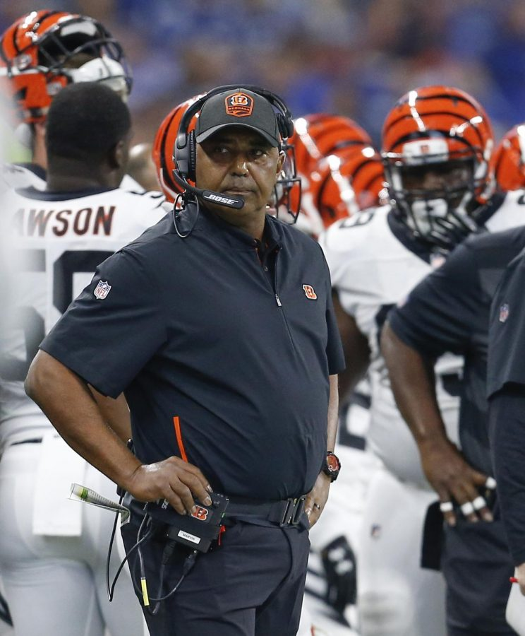 Lewis coached 16 seasons with the Bengals. Photo from Tribune News Service.