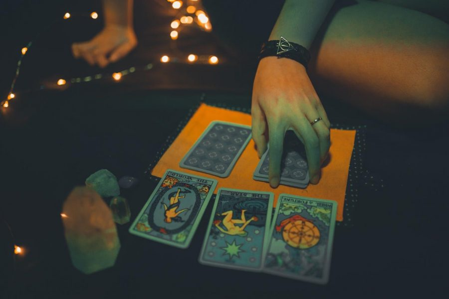 Psychic experts say that most readings have been requested out of uneasiness about effects of the pandemic, rather than the virus itself. Photo from Pexels.com free use.